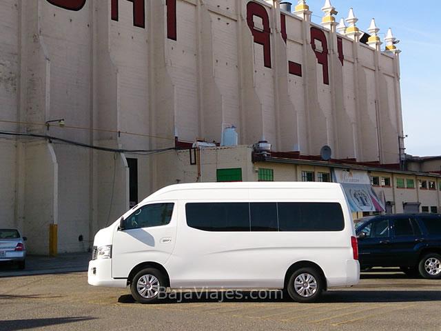 Transporte en Van Nissan Urvan 2014, 13 pasajeros, en Tijuana, Baja California