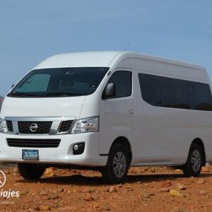 Van Tipo Nissan Urvan o Toyota Hiace. Transporte turístico en Baja California.